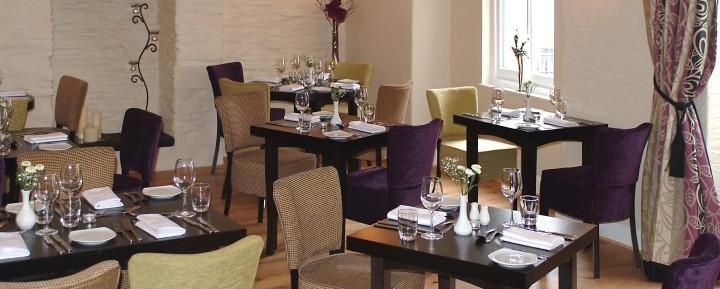 Gwestry Emlyn Arms Hotel