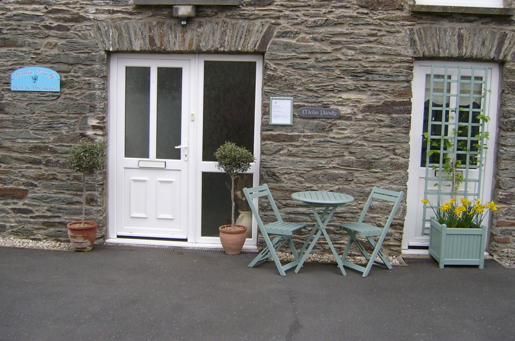 Outside seating Melin Pandy bed and breakfast