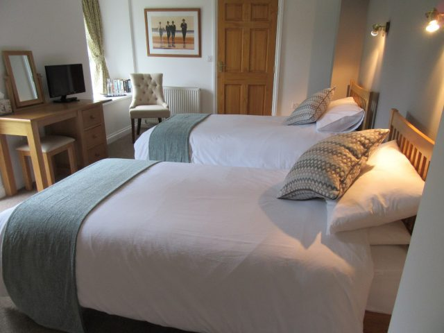 Twin bedroom Melin Pandy bed and breakfast